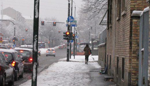 雪道、凍結路面を安全に走る方法と事前にしておくべきこと。