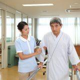 介護職員初任者研修をとるには通学制と通信制のどちらがいい?